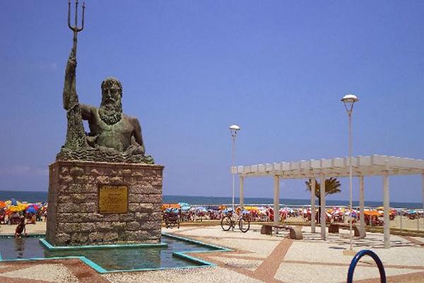 Estatua de Netuno em Praia Grande
