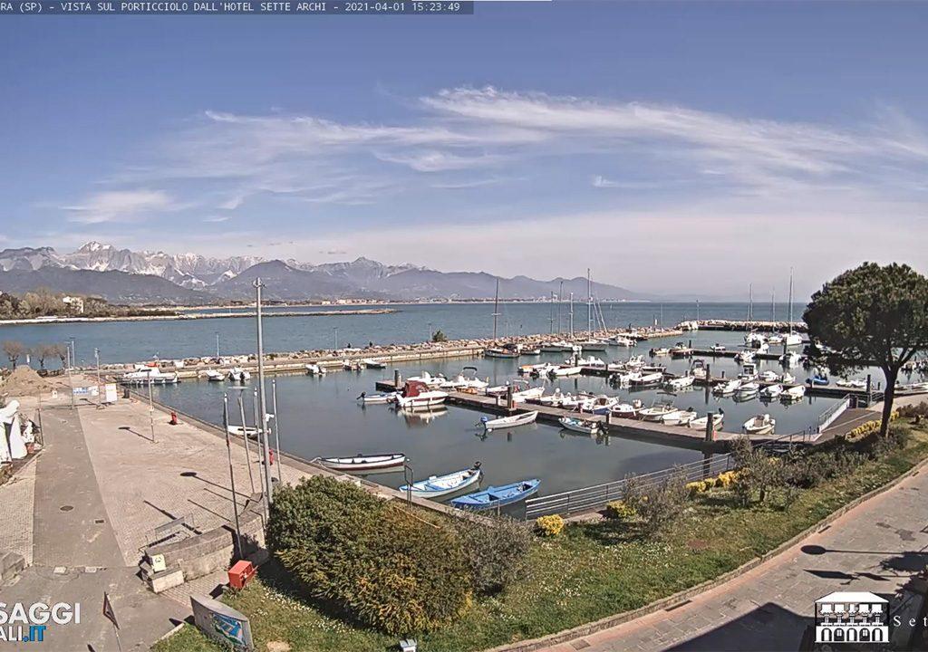 Porto de Bocca di Magra Live Cam Hotel Sette Archi - Itália - ao Vivo